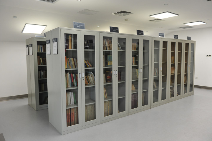 金沙遗址博物馆藏杨升南先生捐赠图书_副本.jpg